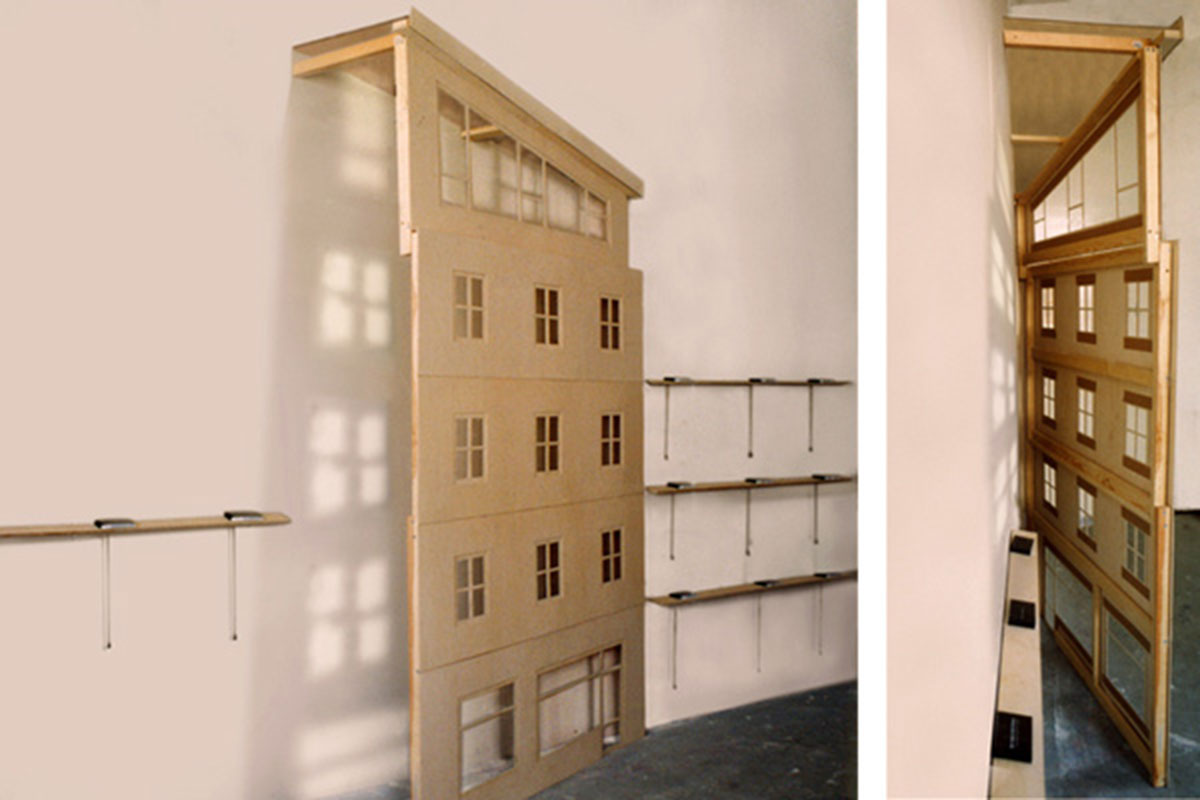 The Mustermann Family - Trauma of an Unattached Artist, © 2001-2003, Façade, two different views from the side with flip-books, 1:10, 140 x 220 x 45 cm, plywood 1,5mm