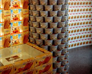 Experience Utopia, © 2005, Empty food packages, original works from the Bauhausarchiv of the Akademie der Künste, approx. 650 x 900 x 600 cm