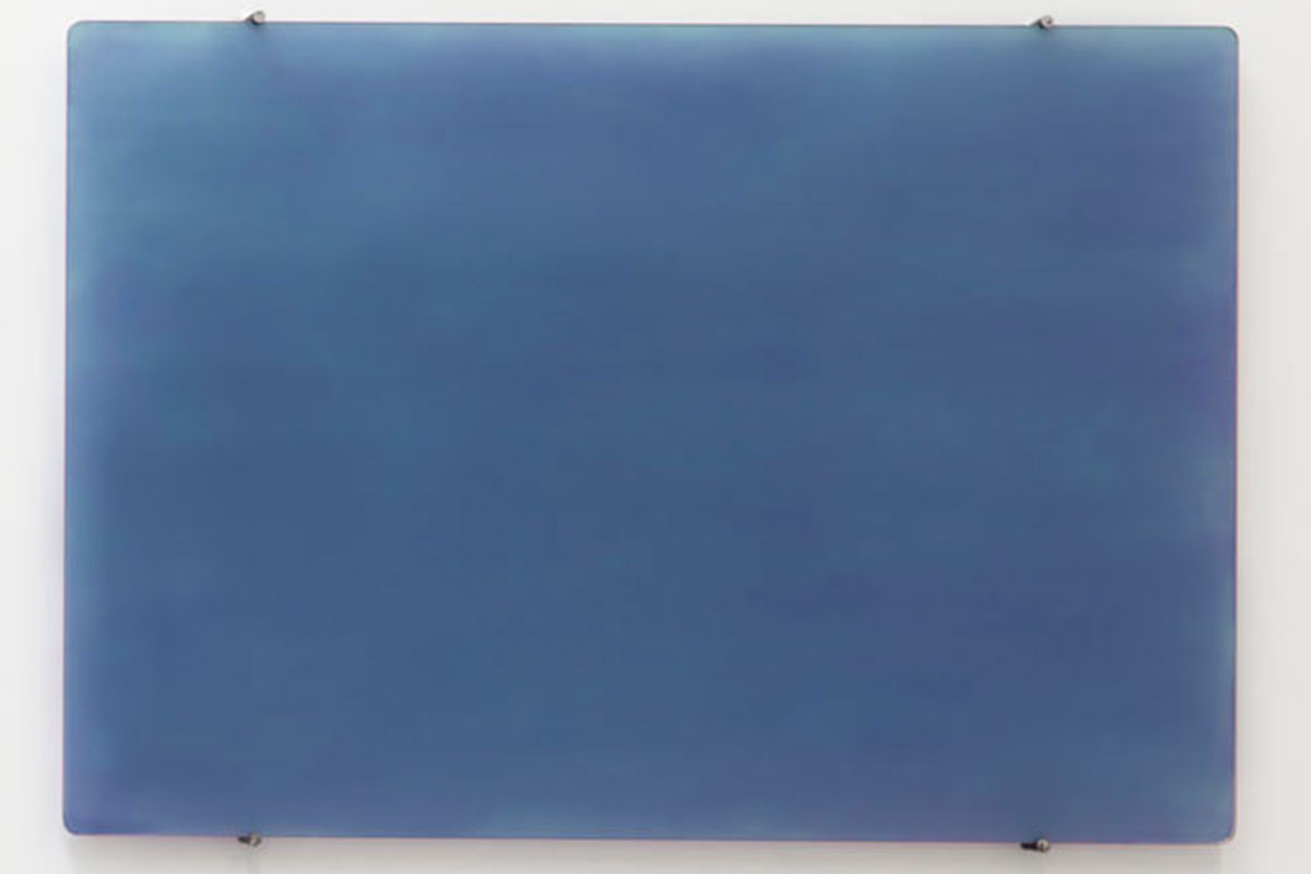 Monochrome bleu de Rothschild, © 2016, Glass painted on the backside with cobalt (II) chloride, 100 x 150 cm