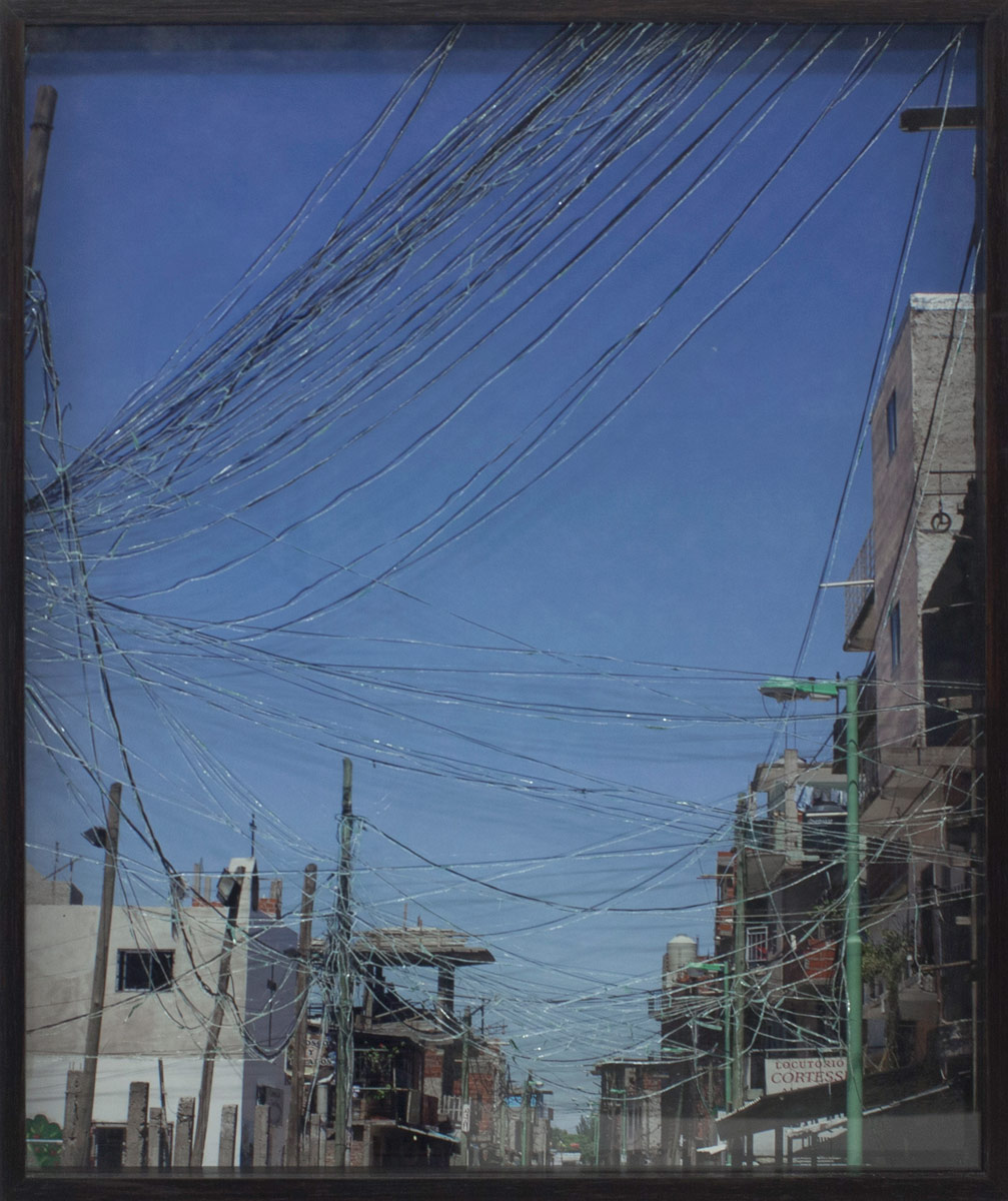 Atrapasueños III (Dreamcatcher), © 2014, C-print framed with shattered safety glass, 62 x 51 cm