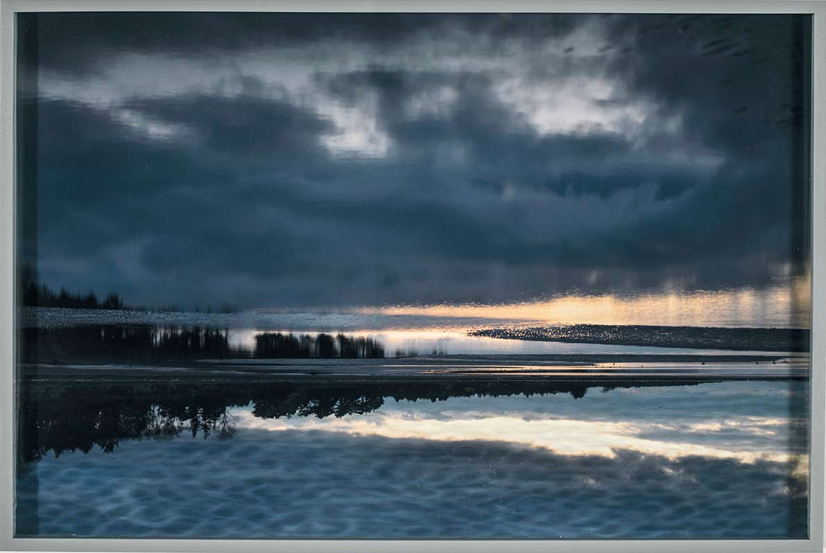 Brechung der Nordsee, © 2020  C-print framed with two different types of glass, 42,2 x 62,6 cm